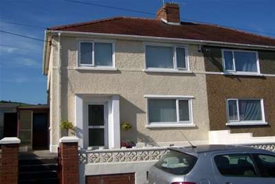 3 Bedrooms Property for rent in The Crescent, Burry Port, Carmarthenshire