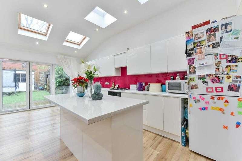 4 Bedrooms Terraced House for sale in Nimrod Road Furzedown, London