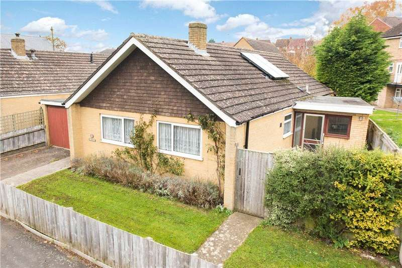 3 Bedrooms Detached Bungalow for sale in Fox Lane, Brackley, Northamptonshire