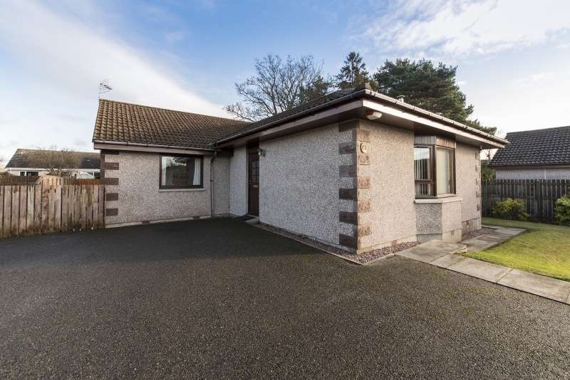 4 Bedrooms Bungalow for sale in Lindley Bank, Alness, Highland, IV17 0TN