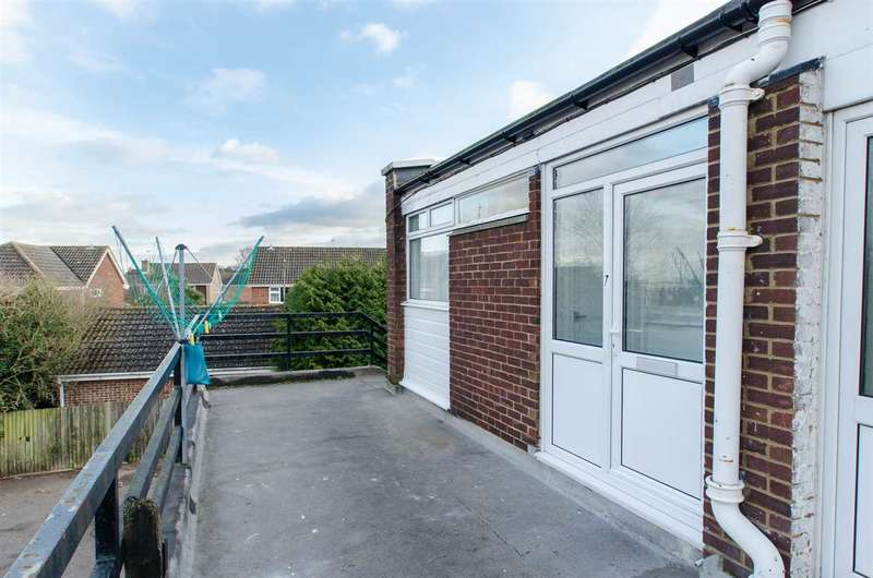 2 Bedrooms Apartment Flat for rent in The Parade, Northwood Drive, Sittingbourne