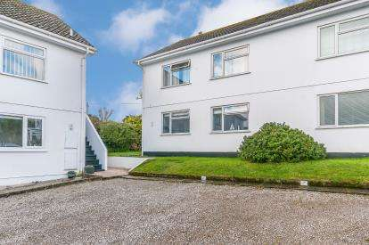2 Bedrooms Flat for sale in Carbis Bay, St Ives, Cornwall