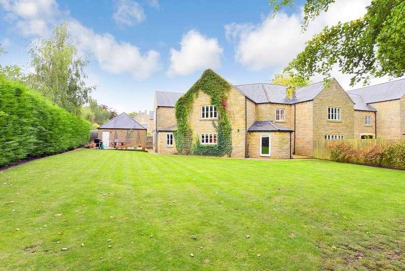 5 Bedrooms Semi Detached House for sale in Chadwick Park, Knaresborough