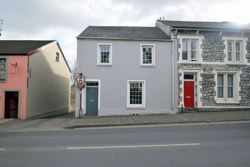 3 Bedrooms End Of Terrace House for sale in 51 Park Street, Bridgend, Bridgend County Borough, CF31 4AX.