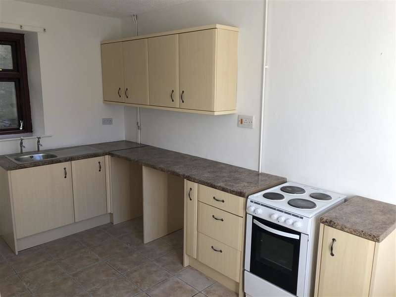 2 Bedrooms House for rent in Queens Road, Elliots Town, New Tredegar