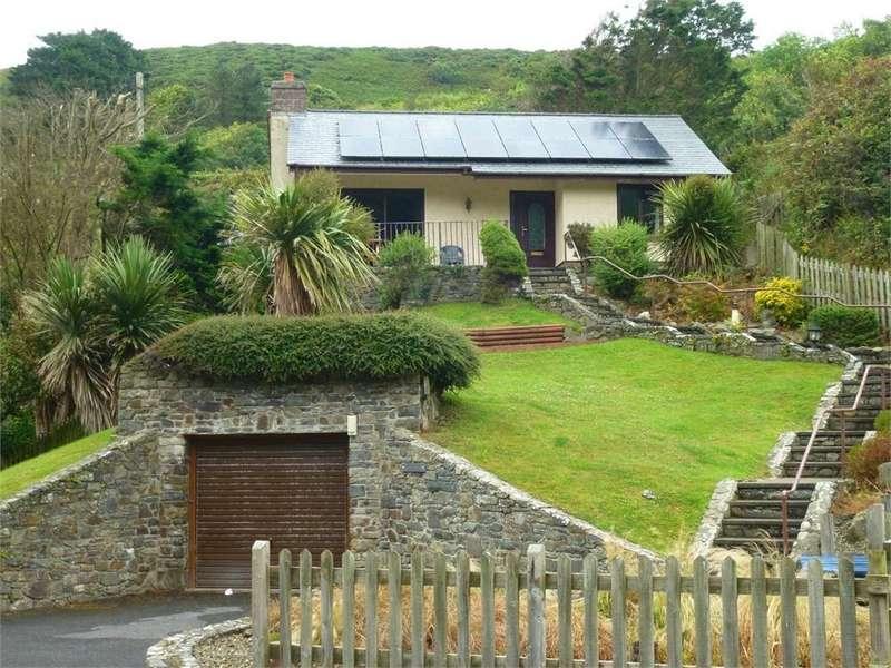 2 Bedrooms Detached Bungalow for sale in Glanymor, Cwmtydu, Llwyndafydd, Llandysul, Ceredigion