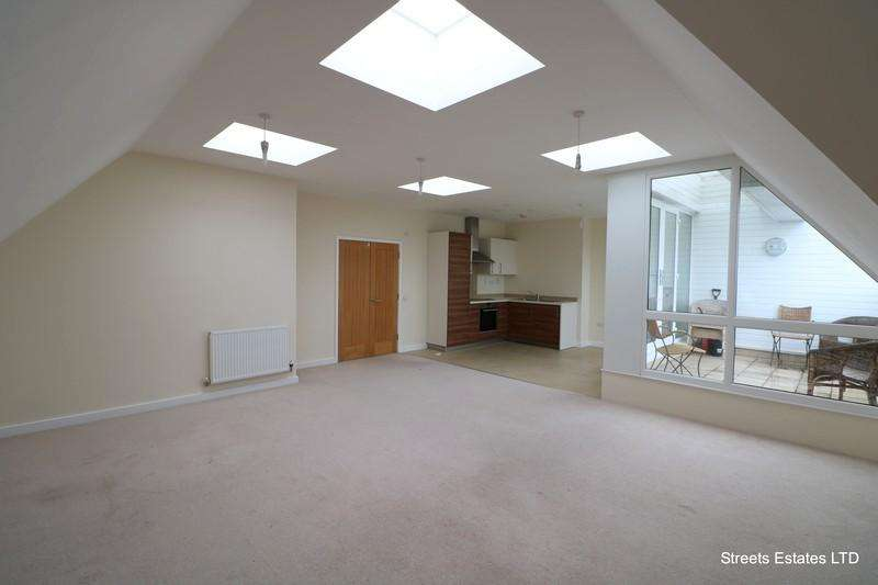 3 Bedrooms Penthouse Flat for rent in Pickford Road, BEXLEYHEATH DA7