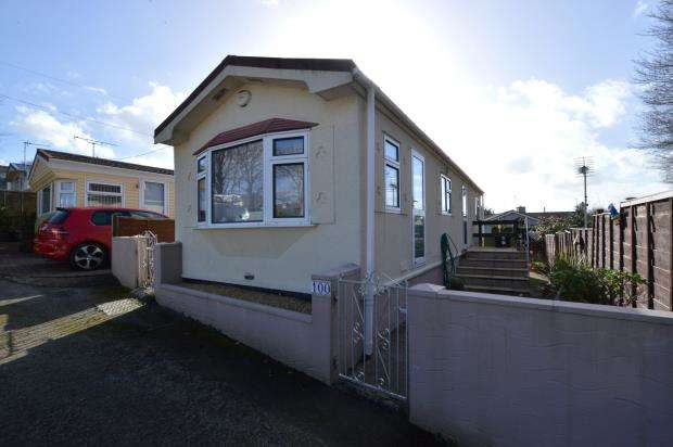 2 Bedrooms Detached Bungalow for sale in Trenance Caravan Park, Newquay, Cornwall