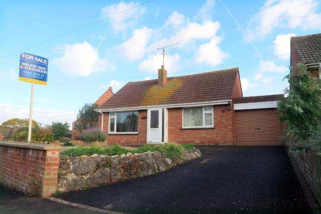 3 Bedrooms Detached Bungalow for sale in Manor Orchard, Taunton TA1
