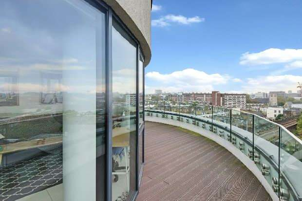 1 Bedroom Flat for sale in Princes Gate, Prince Of Wales Road, Kentish Town, NW5