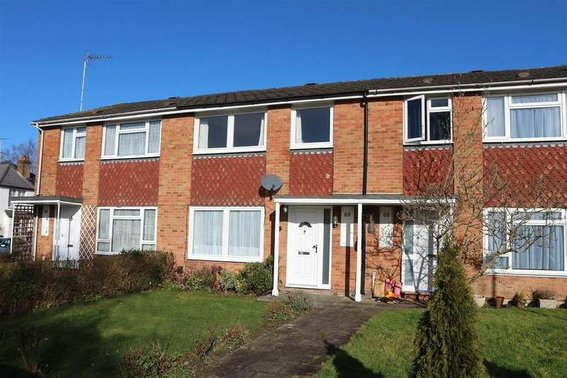 3 Bedrooms Terraced House for sale in Foxwarren, Claygate