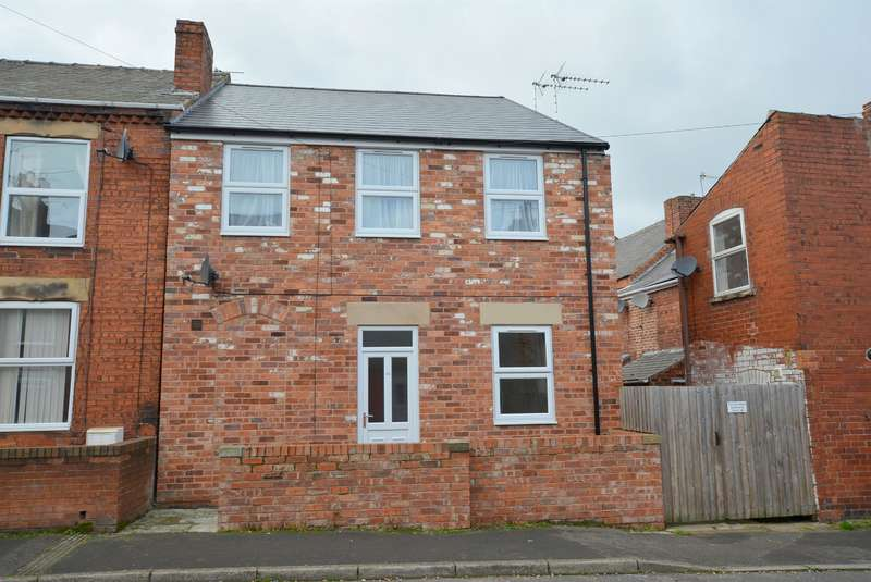 2 Bedrooms Terraced House for sale in Chapel Road, Grassmoor, Chesterfield, S42