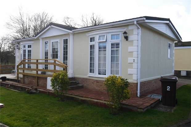 2 Bedrooms Park Home Mobile Home for sale in Park Avenue, Melton Mowbray, Leicestershire
