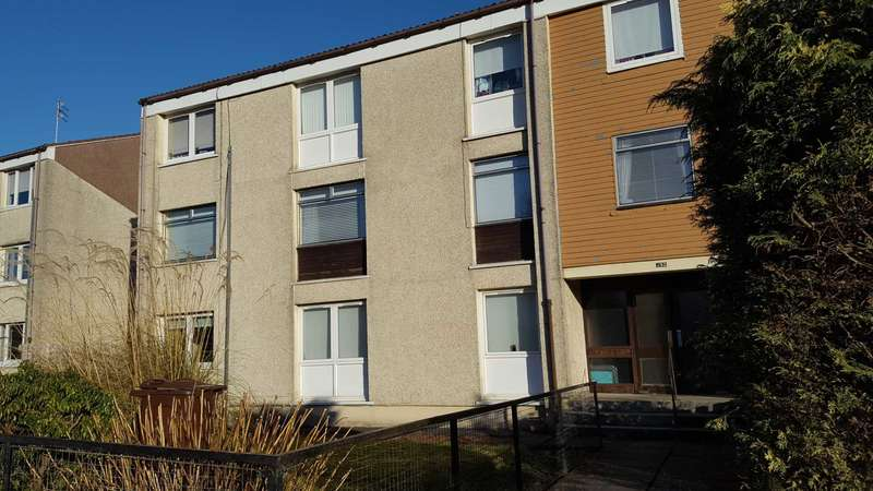 2 Bedrooms Flat for rent in Lochfield Road, Paisley