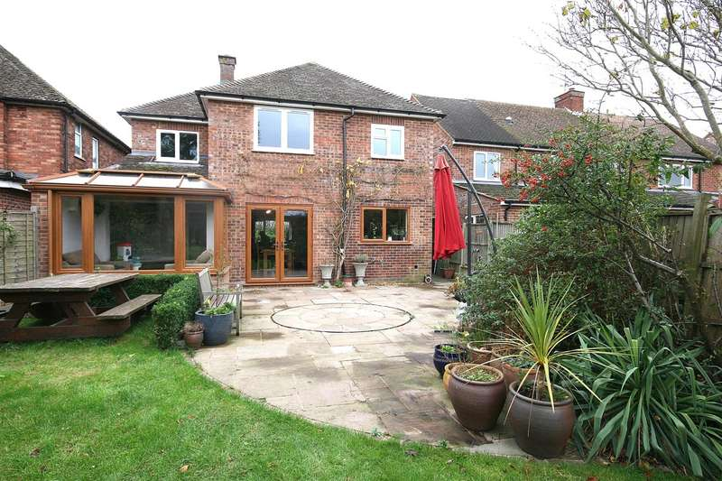 4 Bedrooms Detached House for sale in Wharncliff, Totternhoe, Bedfordshire