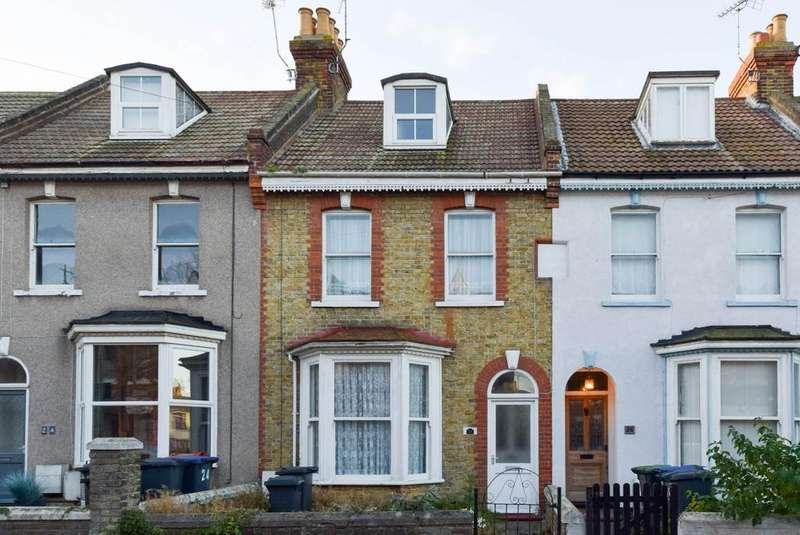 4 Bedrooms Terraced House for sale in Queens Gardens, Herne Bay