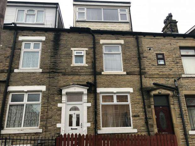 3 Bedrooms Terraced House for sale in Chelmsford Terrace Chelmsford Terrace, Bradford, BD3