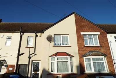 3 Bedrooms House for rent in St Georges Avenue, Sheerness, ME12 1DS