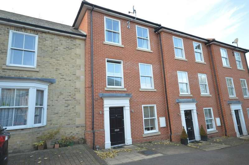 4 Bedrooms Town House for sale in Popes Lane, Colchester