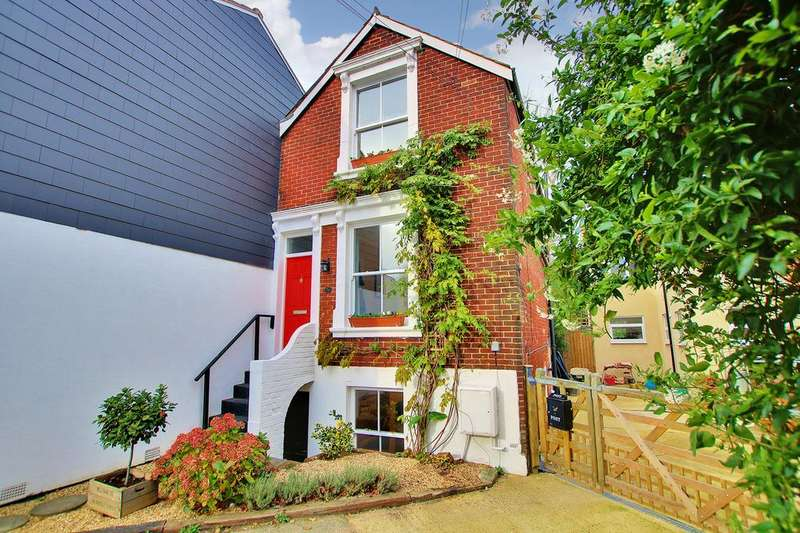 3 Bedrooms Town House for sale in Inner Avenue, Southampton