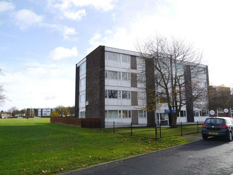 1 Bedroom Apartment Flat for sale in 1 BED FLAT WITH FINE VIEWS Thorntree Court, Forest Hall, Newcastle Upon Tyne