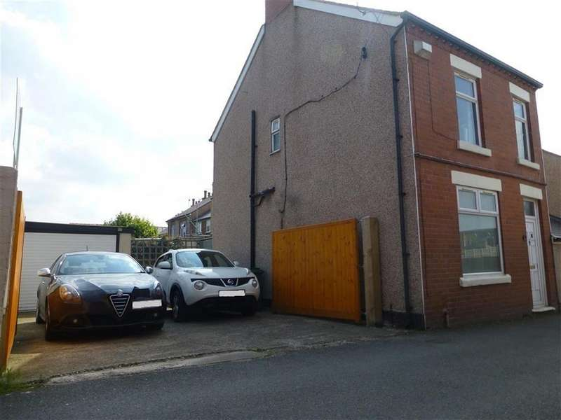 2 Bedrooms Semi Detached House for sale in Wern Lane, Rhos, Wrexham
