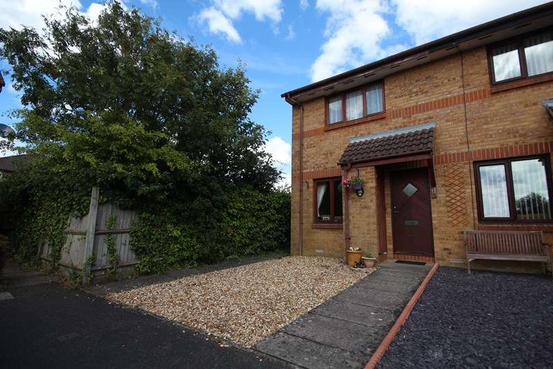 2 Bedrooms End Of Terrace House for rent in Waterloo Way, Ringwood