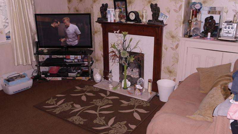 3 Bedrooms End Of Terrace House for sale in Gibraltar Street, Oldham