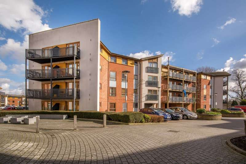 1 Bedroom Flat for sale in Harry Close, Croydon, CR0