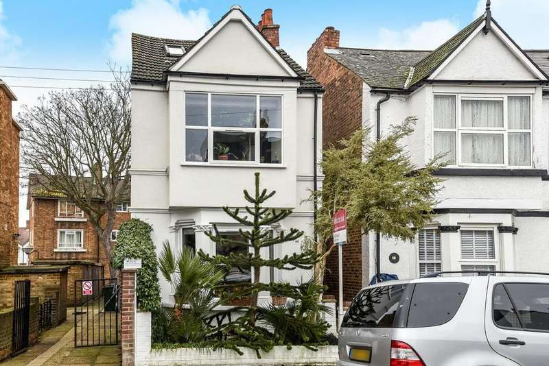 3 Bedrooms Detached House for sale in Carlton Road, Chiswick