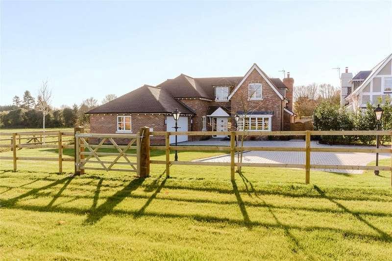 5 Bedrooms Detached House for sale in Kidgerbury, Green Lane, Littlewick Green, Berkshire, SL6