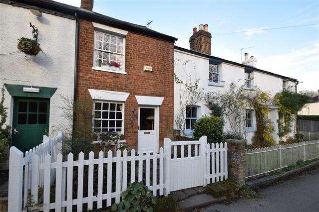 3 Bedrooms Terraced House for sale in Windmill Cottages, The Common, Chipperfield