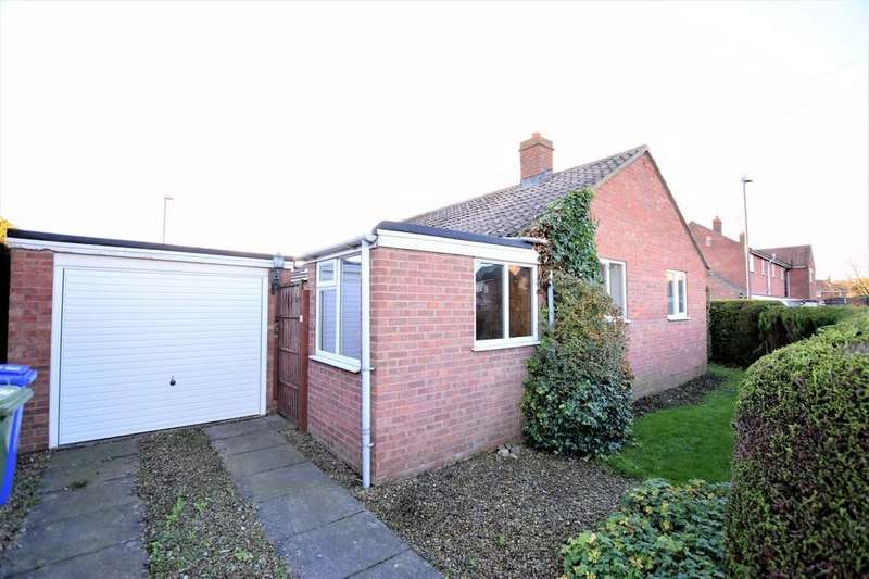 2 Bedrooms Detached Bungalow for sale in Cherry Road, Hunmanby