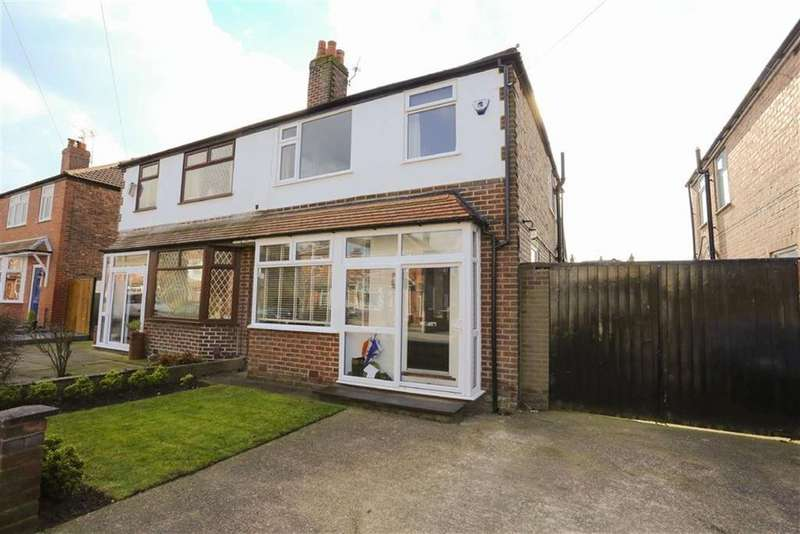 3 Bedrooms Semi Detached House for sale in Berwick Avenue, Heaton Mersey