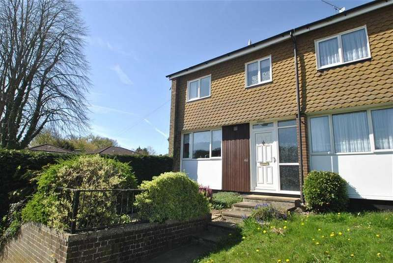 3 Bedrooms Town House for sale in Surley Row, Emmer Green, Reading