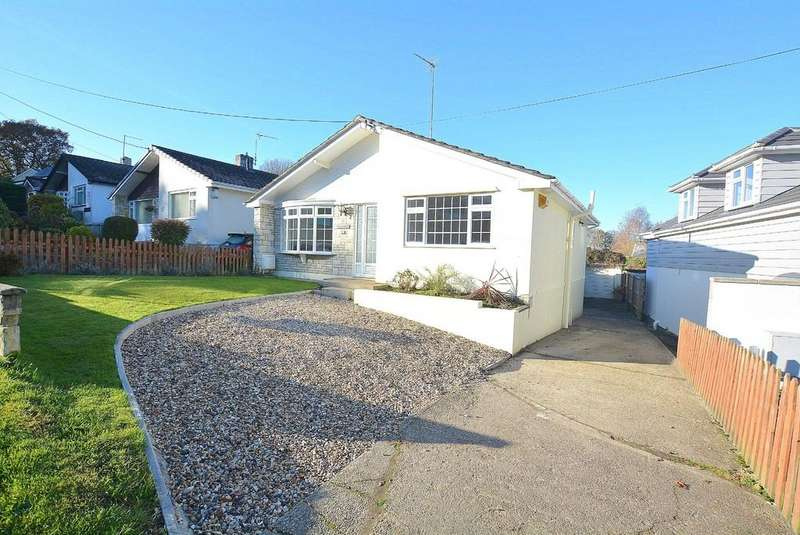 3 Bedrooms Detached Bungalow for sale in Pilford Heath Road, Wimborne