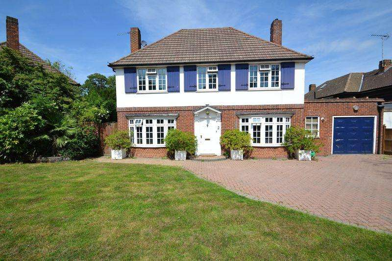 4 Bedrooms Detached House for sale in Park Farm Road, Bickley, Bromley
