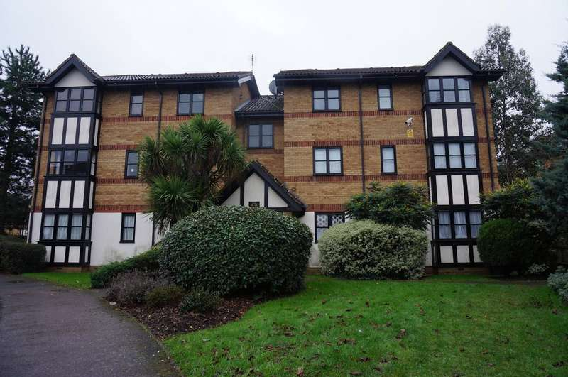2 Bedrooms Flat for sale in Woodvale Way, Cricklewood, London NW11