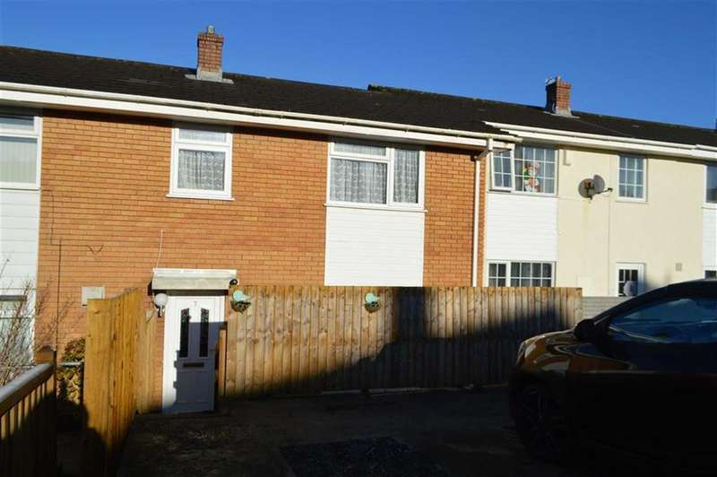 3 Bedrooms Terraced House for sale in St Davids Close, Swansea, SA4