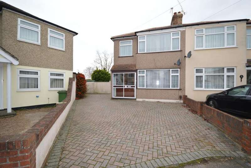 3 Bedrooms Semi Detached House for sale in Chestnut Glen, Hornchurch, Essex, RM12