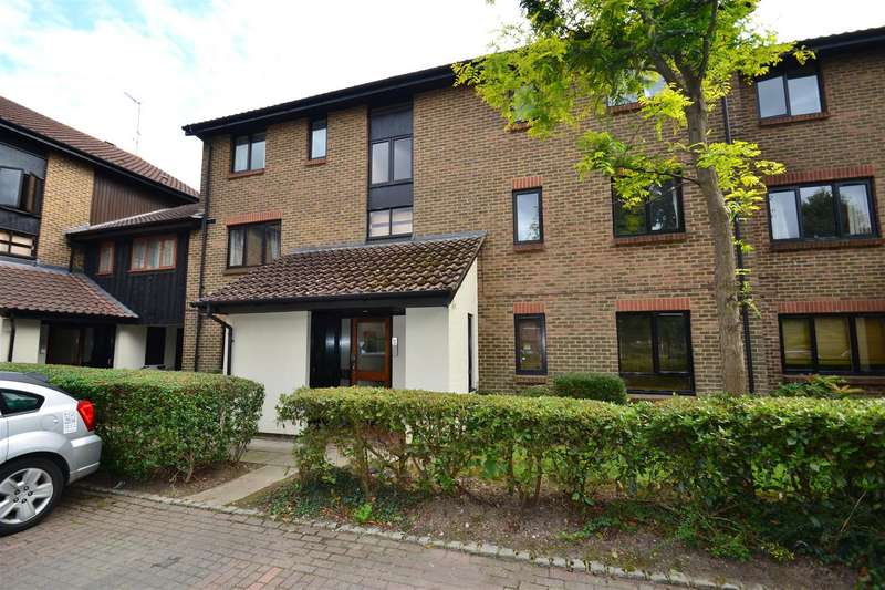 2 Bedrooms House for sale in Whitecroft, Horley