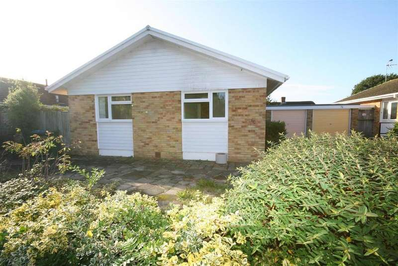 2 Bedrooms Detached Bungalow for sale in Furners Mead, Henfield