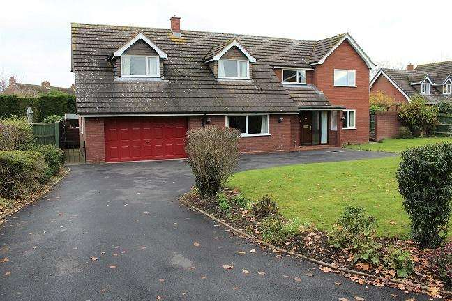 4 Bedrooms Detached House for sale in 2 Middle Croft Road, 2 Middle Croft Road