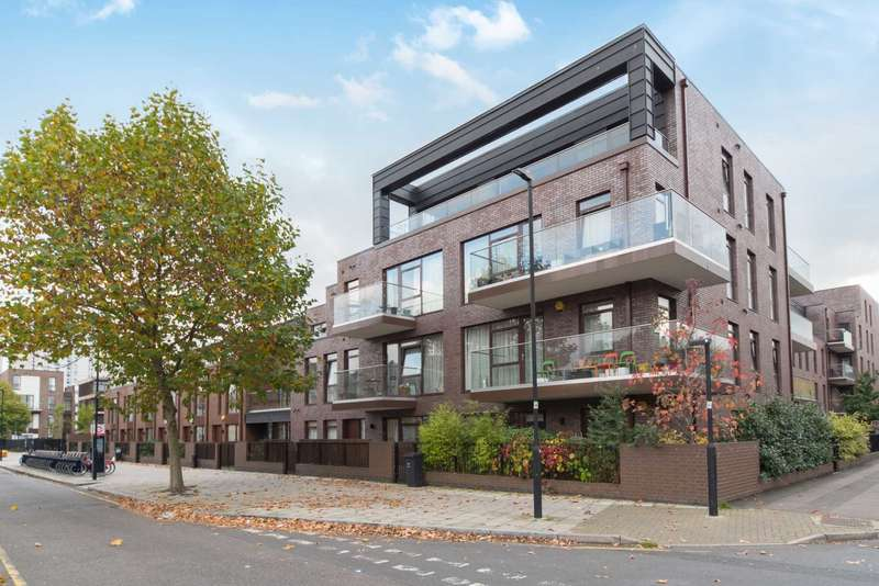 3 Bedrooms Flat for sale in Lollard Street, Kennington