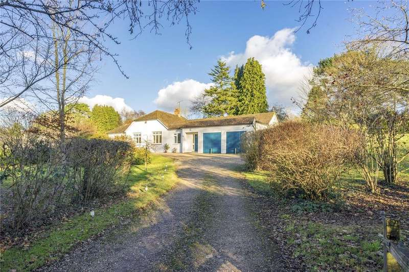 4 Bedrooms Bungalow for sale in Lymington Bottom, Four Marks, Alton, Hampshire