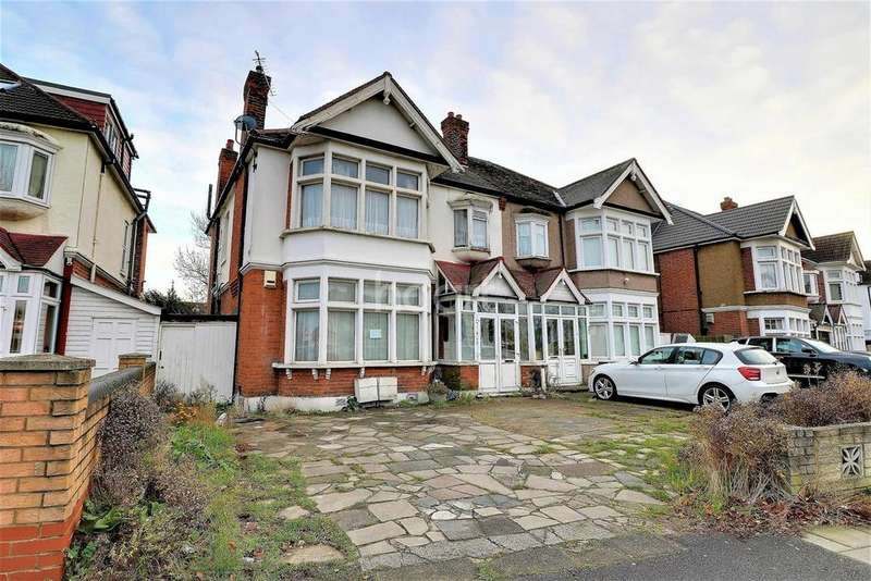 2 Bedrooms Flat for sale in Cranbrook Road, Ilford, Essex