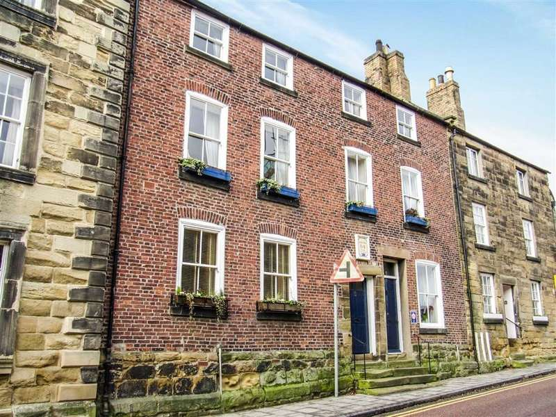 4 Bedrooms Terraced House for sale in Bailiffgate, Alnwick, Northumberland
