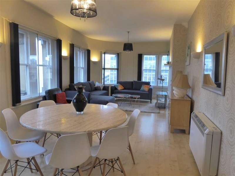 3 Bedrooms Apartment Flat for rent in 70-72 Portland St, Piccadilly, Manchester