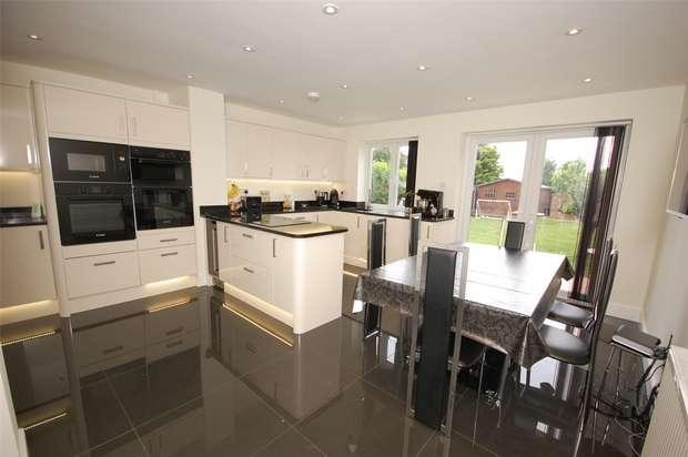 4 Bedrooms Semi Detached House for sale in Farnham, Surrey