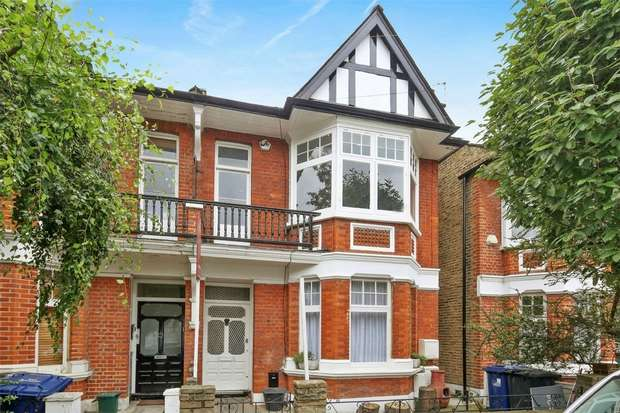 2 Bedrooms Flat for sale in Whitehall Gardens, Ealing Common